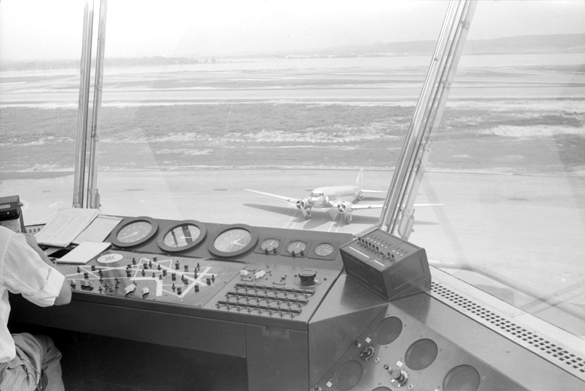 Washington National Airport control tower. (Credit: Jack Delano/Library of Congress.