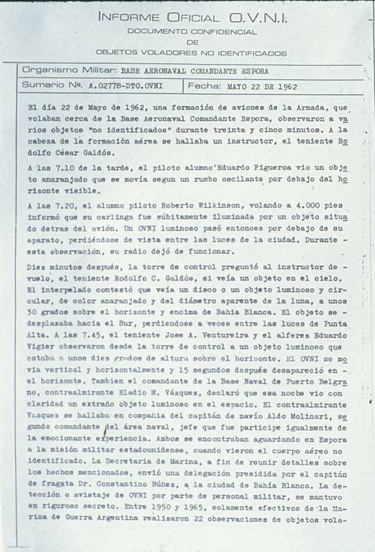 "Page 1 of the ""Official UFO Report"" on the May 22, 1962 sighting by pilots and top Navy officers at the Naval Base in Puerto Belgrano."