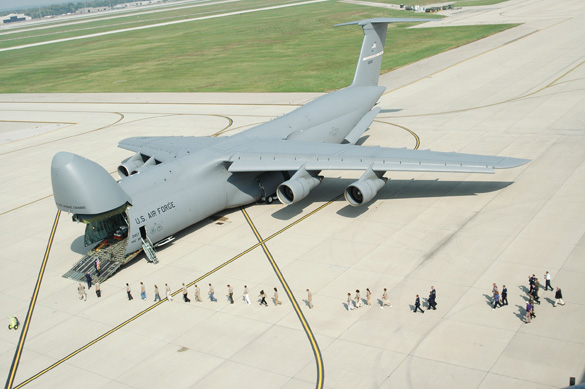 People line up to enter the 445th Airlift Wing's first C-5A Galaxy at Wright-Patterson Air Force Base, Ohio. (Credit: U.S. Air Force/Tech. Sgt. Charlie Miller)