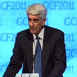 Jacques Vallée discussing UFOs in 2011 at the Global Competitiveness Forum in Saudia Arabia. (Credit: GFC2011)