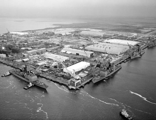 Ingalls_Shipbuilding_1985