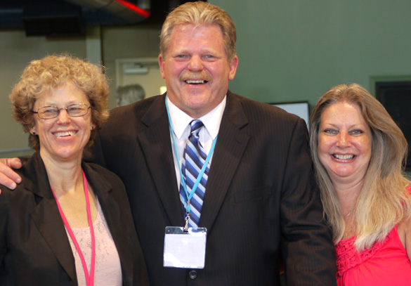 From left: Leslie Kean, Kent Senter and his wife Patty. (Credit: Alejandro Rojas)