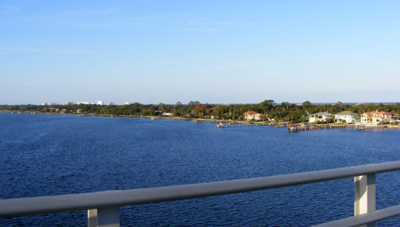 Ormond by the Sea skyline as seen from the top of the Granada Bridge in Ormond Beach, Florida. (Credit: Wikimedia Commons/Gamweb)
