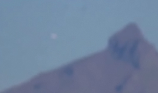 UFO near Popocatepetl in Mexico. (Credit: YouTube/MIGUEL ANGEL HERNANDEZ)