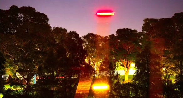 Russell Crowe tweets UFO pics from Sydney