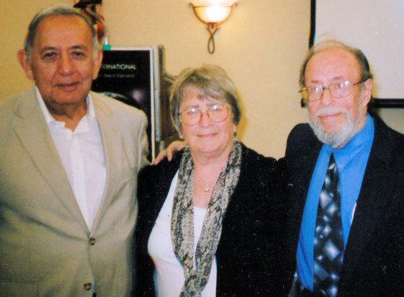 Robert and Marilyn Salas with Dr. Roger Leir.