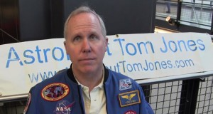 Tom-Jones-STS80