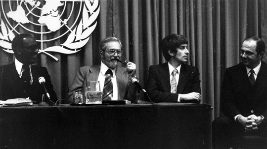 UN UFO Press conference. Freom left: Sir Eric Gairy, Dr. J. Allen Hynek, Jacques Vallee, Lt. Col. Coyne.