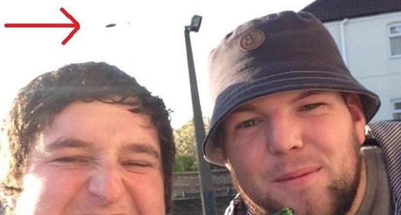 UK-Selfie-UFO-ftr