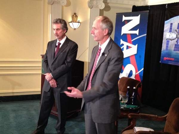 Robert Bigelow, with William Gerstenmaier, NASA Associate Administrator for Human Exploration. (Credit: Ledyard King/GANNETT)
