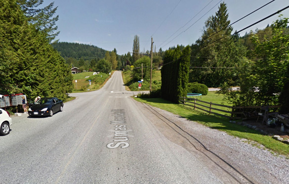 The two witnesses were walking near the intersection of Sumas Mt. Road and Dawson Road, pictured, when they encountered the egg-shaped object. (Credit: Google)