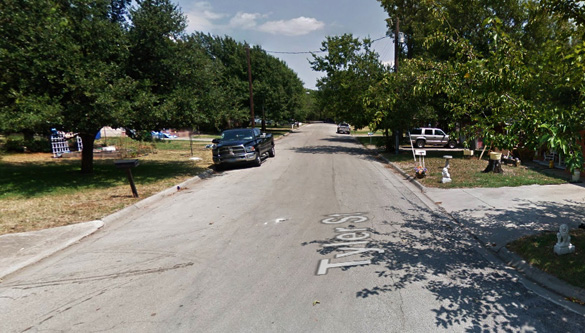 The witness stated that many people were taking photos of the low flying UFO, although no images were included with the MUFON report. Pictured: Tyler Street, Gainesville, TX. (Credit: Google)