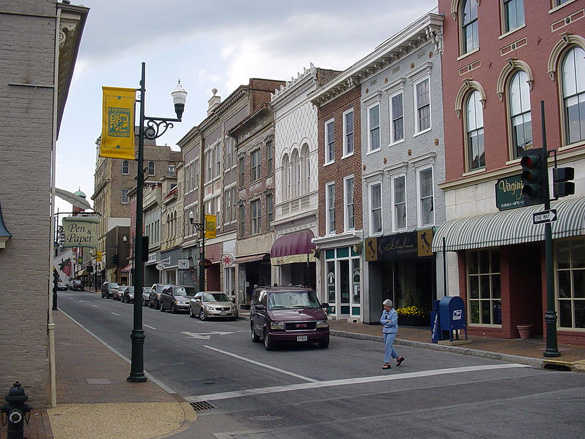 West Beverely Street in downtown Staunton. (Credit: Wikimedia Commons)