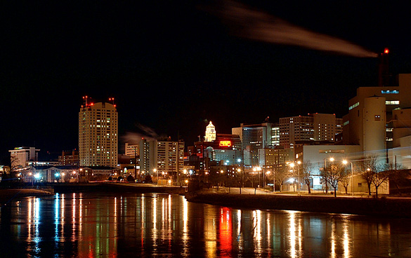 Downtown Rochester, MN, at night. (Credit: Wikimedia Commons)