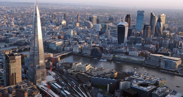 London bridge photo from a hot air balloon. (Credit: Wikimedia Commons)