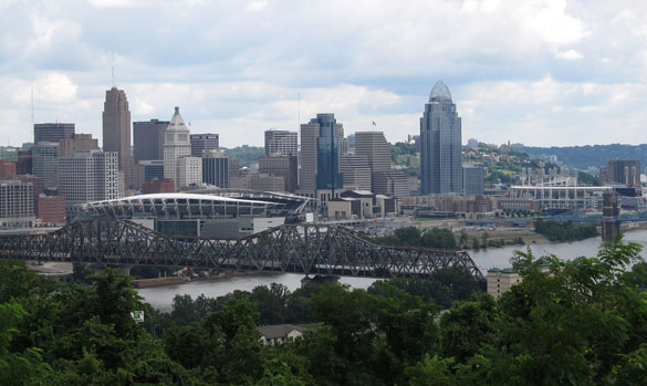The witness encountered a hovering UFO just outside her grandmother's home in 1998. Pictured: Downtown Cincinnati. (Credit: Wikimedia Commons)