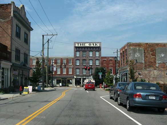 The witness first saw the object in her rearview mirror thinking it was approaching vehicle. Pictured: Downtown Petersburg, VA. (Credit: Wikimedia Commons)