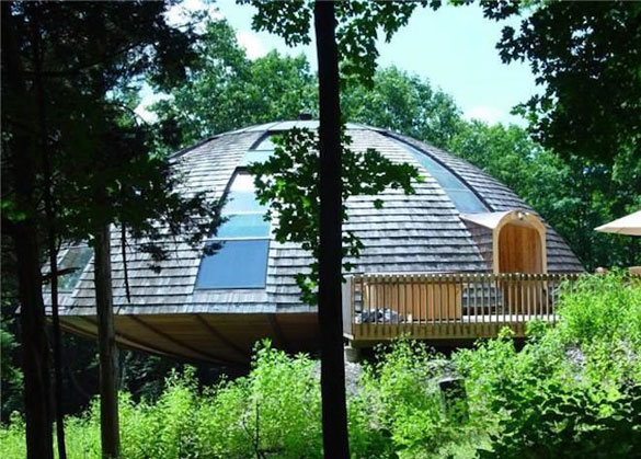The UFO home includes 2,300 square feet and two levels. (Credit: Realtor.com)