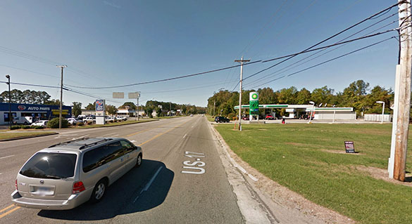The witness was first drawn to the craft because it had unusually bright lights. Pictured: Elizabeth City, NC. (Credit: Google)
