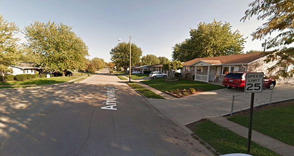 A Xenia, Ohio, witness watched an object move over his home under 500 feet. Pictured: Xania, Ohio. (Credit: Google)