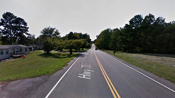 The witness stepped outside on the evening of January 15, 2015, and saw multiple triangle-shaped UFOs in the sky. Pictured: Cedar Grove, TN. (Credit: Google Maps)