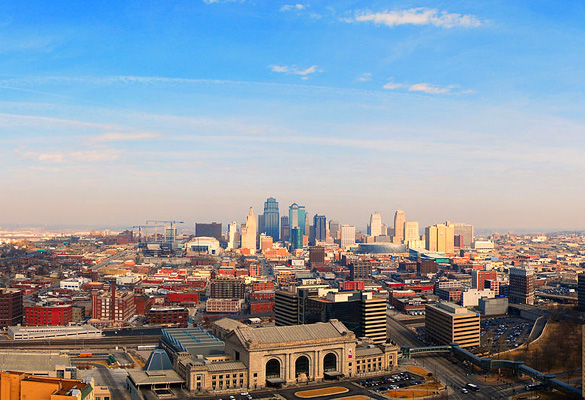 View of Kansas City, MO. (Credit: Wikimedia Commons)