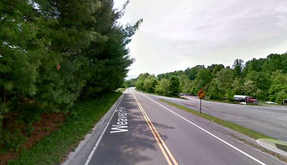 The lights on the craft were different colors as seen from Weaver Pike Road, Pictured. (Credit: Google)