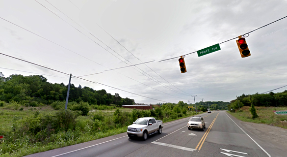 As the witness turned onto Nolensville Road from Holt Road, a triangle-shaped UFO was noticed hovering nearby. (Credit: Google)