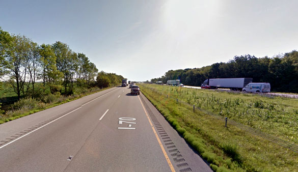 The object began moving horizontally while the witness watched from eastbound I-70 in Greencastle, IN, pictured. (Credit: Google)