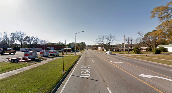 The object was moving under 20 feet off of the ground and was sphere-shaped. Pictured: Sylvester, GA. (Credit: Google)