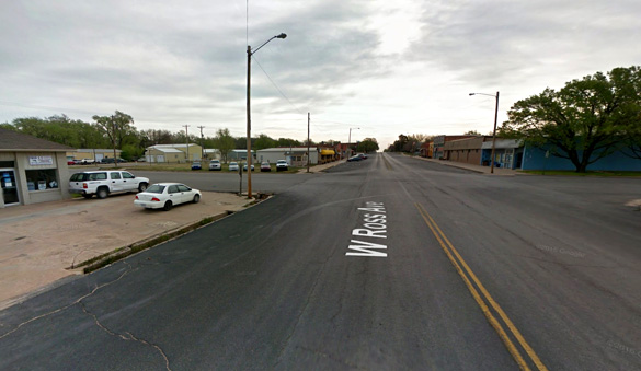 The UFO moved over the vehicle and shown a light into their car. Pictured: Facing east in Clearwater, Kansas. (Credit: Google Maps)