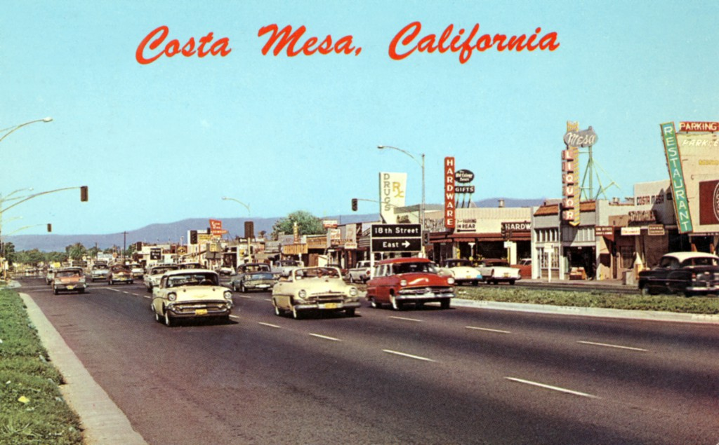 The witness believes the object was traveling too low and too fast for a known aircraft. Pictured: Newport Boulevard, Costa Mesa, CA, circa 1950. (Credit: Wikimedia Commons)