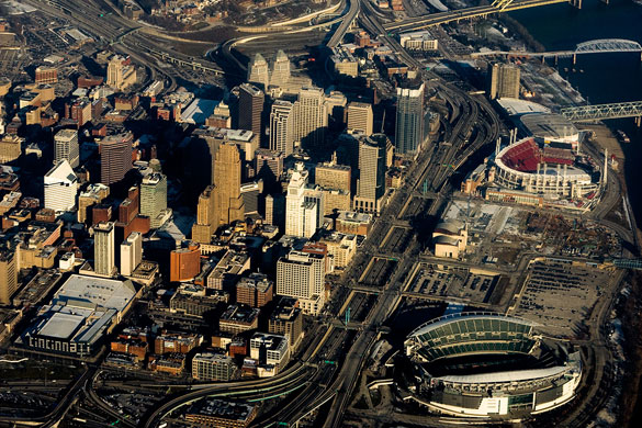 The object emitted light which seemed to cause the witness to not be able to move. Pictured: Aerial view of Cincinnati. (Credit: Wikimedia Commons)