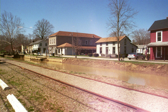 The town of Metamora, IN, with railroad and canal in the foreground. (Credit: Wikimedia Commons)