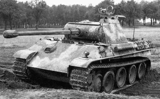 German Panther tank with night vision