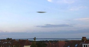 Alleged UFO over Portsmouth. (Credit: Lewis Rogers)