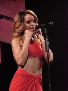 Rihanna performing in 2013. (Credit: Ilikeriri/Wikimedia Commons)