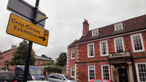 "Official road signs are showing the way through town to the ""Crop Circles Exhibition"" at the Wiltshire Museum in Devizes. (Credit: grenzwissenschaft-aktuell.de)"