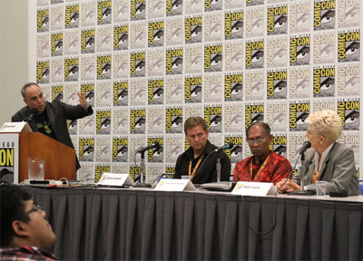 The Unexplained Files Comic Con panel, featuring Chuck Zukowski, Chandra Wickramasinghe, Phyllis Canion, moderated by Huffington Post's Weird News editor Buck Wolf. (Credit: Science Channel/DCL)