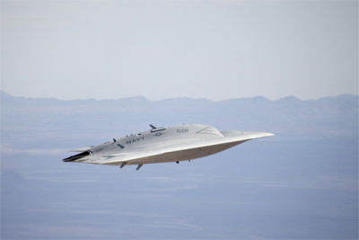 X 47b At Night 'UFO' causes stir ...