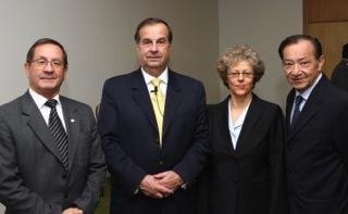 Leslie Kean with CEFAA staff: (from left) Gustavo Rodriguez, General Ricardo Bermúdez, Leslie Kean, Jose Lay. (Credit: DGAC)