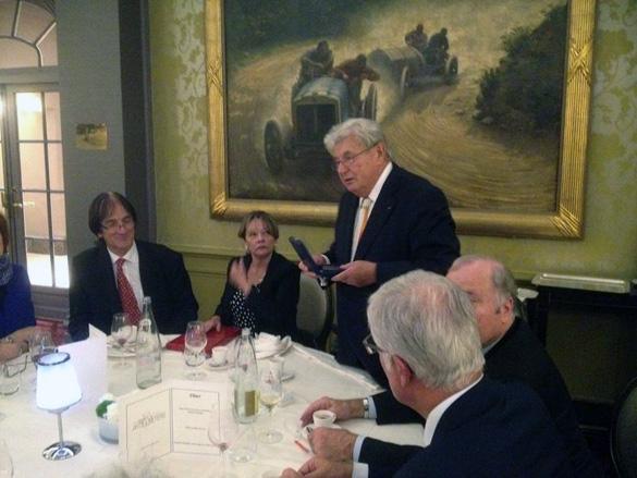 Dinner on October 30, 2014 From right to left: during the presentation of the Medal of 3AF: Jacques Sauvaget, general delegate 3AF, Alain Boudier (Vice President 3AF / SIGMA2), Michel Scheller (President of 3AF ), Ms. Bermudez, Dr. François Praise (expert 3AF / SIGMA2). (Credit: 3AF)