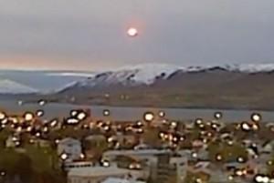 UFO over Akureyri, Iceland. (Credit: Bjarki Mikkelsen/YouTube)