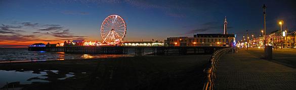 Blackpool Beach at night. (Credit: David P/Wikimedia Commons)