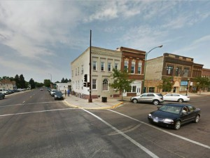 A group of South Dakota witnesses at Watertown filed a MUFON report stating they witnessed a UFO land where light engulfed a dog and killed it. Image: Downtown Watertown. (Credit: Wikimedia Commons)