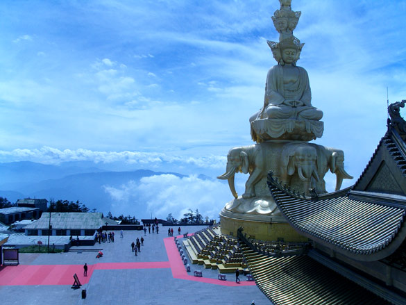 Buddhist Temple in Emei Shan Mountains. (Credit: Cory Grenier/Flickr)
