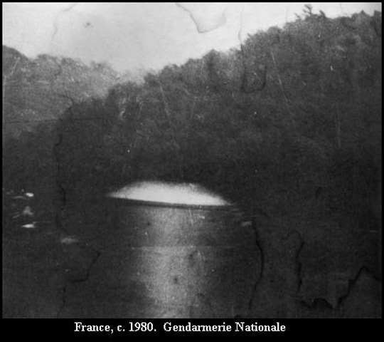 A half-dome UFO similar to the one Gottlieb saw in the 60's.