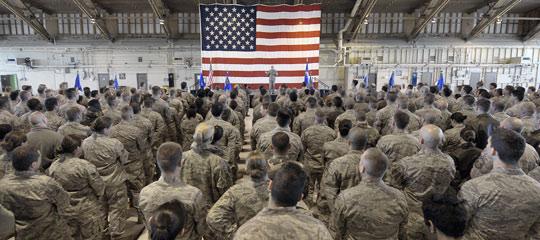 A briefing at Holloman AFB (image credit: USAF).