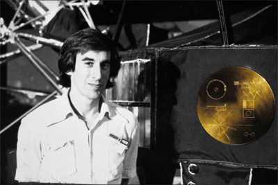 Jon Lomberg with the golden record. (Credit: New Horizons Message Initiative)