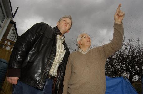 Andrew (left) and Les Burlington. (Credit: News Shopper)